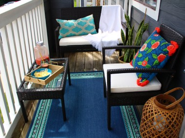 Naturally Stellar apartment balcony makeover reveal