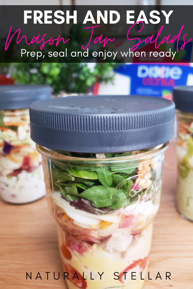 Mason jar salads are a great week day lunch or dinner idea | Naturally Stellar