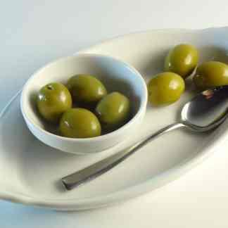 Зеленые греческие оливки