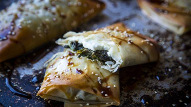 Пироги фило со шпинатом и фетой от Элени