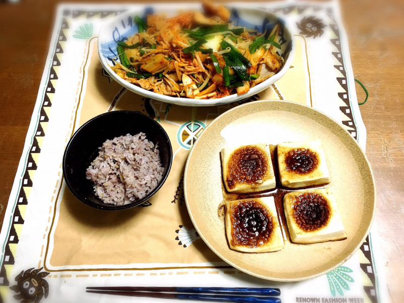 豚ニラキムチ炒め