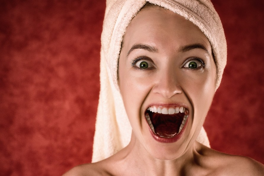 Was bei Zahnfleischbluten hilft - Hausmittel & mehr