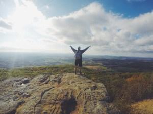 Wandern ist nicht nur gut für die Seele! Es hilft auch Ischias vorzubeugen.