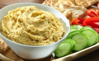 Hummus is a healthy snack dip