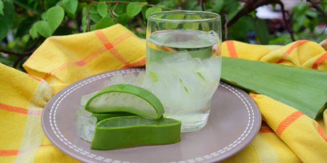 How to Make Your Own Aloe Water