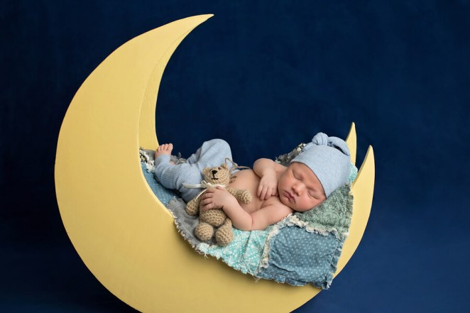 MelaLuna Review - sleeping baby 2