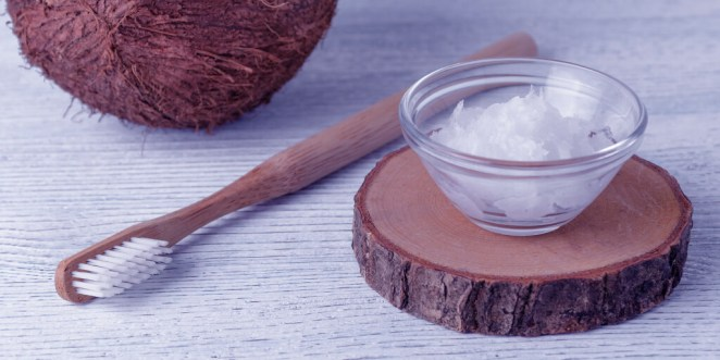 Whiten Teeth DIY_Coconut Oil