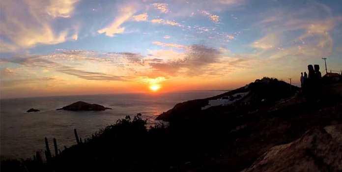 Sunset no Pontal do Atalaia - Foto