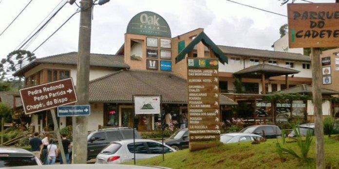 Oak Plaza Shopping - Monte Verde foto