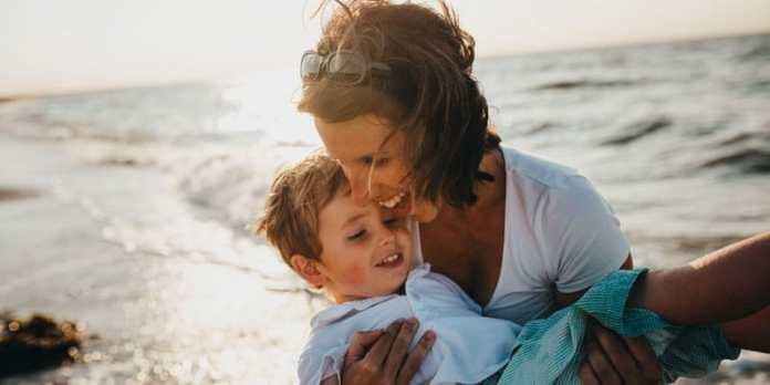 Segurança na praia - Atenção em dobro com as crianças foto