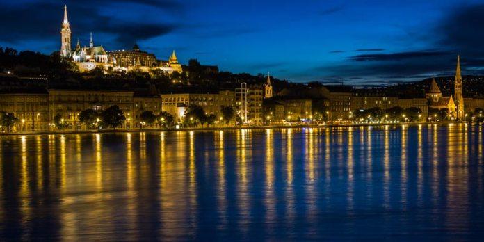 Budapeste a noite foto