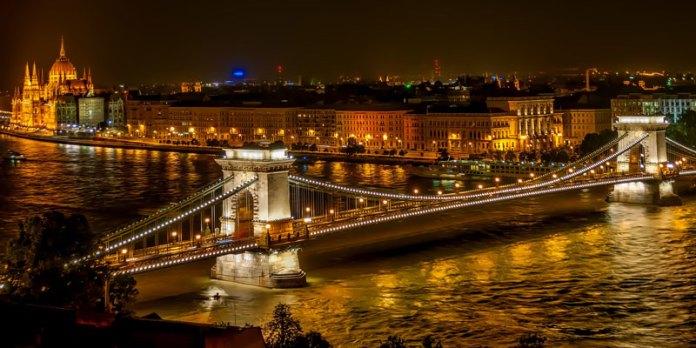 Ponte das Correntes - Budapeste foto