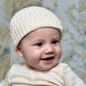 Rippenstrick-Babymütze
