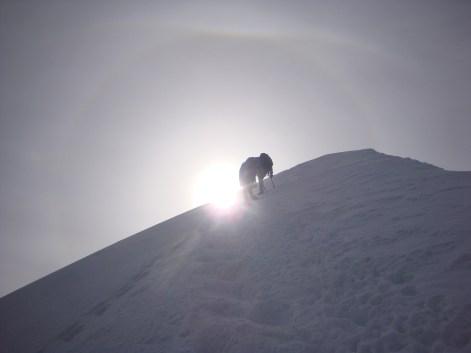 Der steile Gipfelanstieg zum Dom