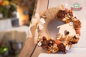 Romantikus ajtódísz faházzal, csipkével és Édes otthon felirattal