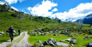 2 Mountainbiker iM Lechtal Österreich