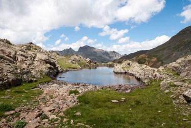 Petit lac avant les lacs de Morgon