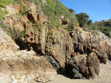 Dolerite dyke in Icart Gneiss cliffs at Moulin Huet Bay