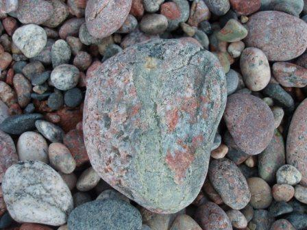 Agawa beach closeup