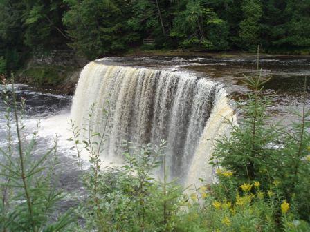 Tahquamenon Falls upper 1b