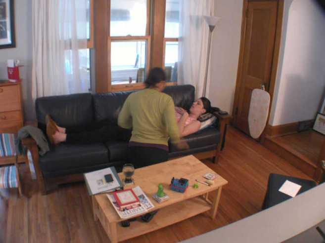 que fait la sage-femme lors d'une visite à domicile ?