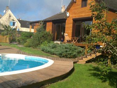 Terrasse / deck de piscine en Pin Radiata