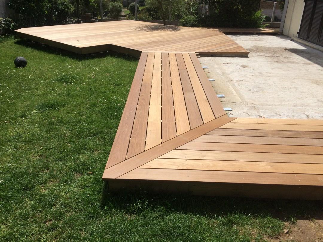 terrasse en bois réalisation sur mesure par Naturellement Bois - Essonne - 91 / Seine et Marne - 77