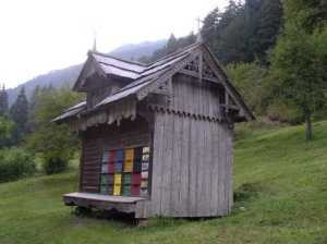Slovenian bee house image © all rights reserved Dave Larkin