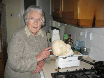 Mary weighs the puffball
