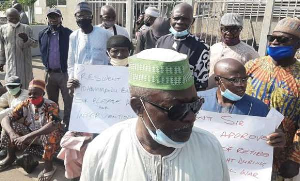 Pension Arrears: Retired Soldiers Protest In Abuja