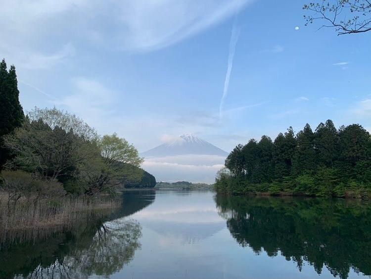 田貫湖に映える富士山