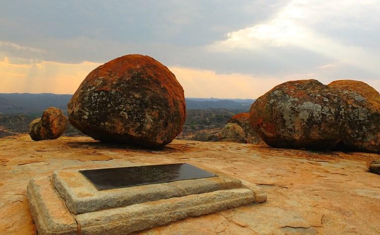 Cecil John Rhodes' grave.jpg