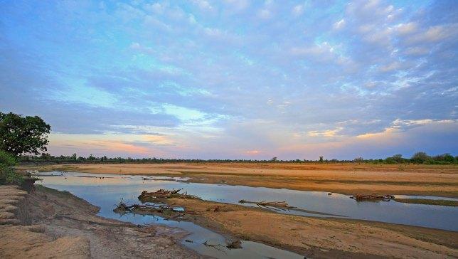 Luangwa-river-in-South-Luangwa