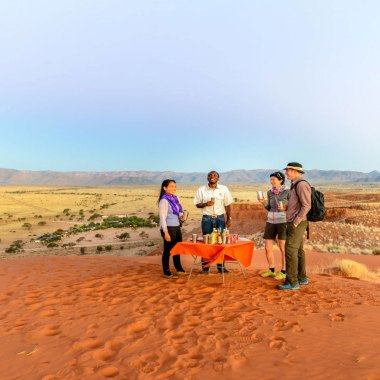 Sundowners-on-the-dunes