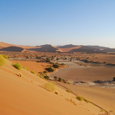 The-Namib-Desert-(1)