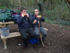 Forest school activity at eardley road sidings nature reserve Lambeth-5