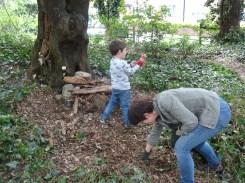 free family nature activity Knight Hill Wood Lambeth London-5