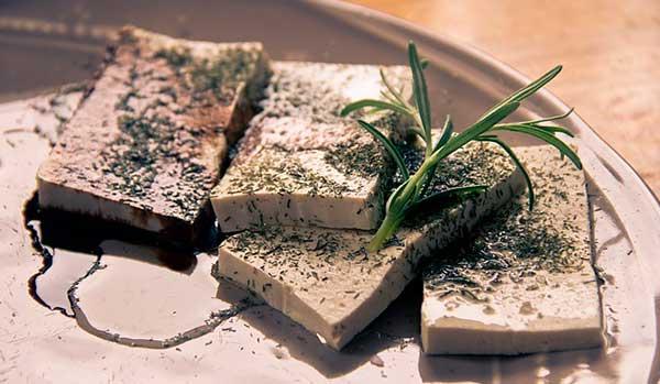 Сыр тофу: что это такое и почему вред больше пользы