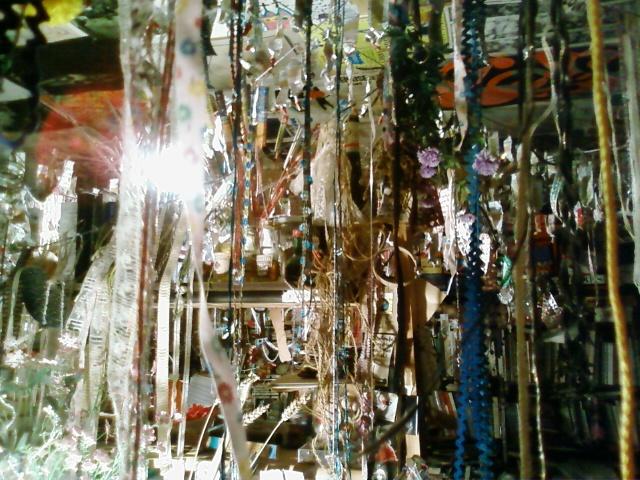 « Faire des choses avec ses mains... C'est aussi un peu une lutte contre la surconsommation sans coeur et sans don de soi » : rencontre avec Marie Morel, peintre (4/5)