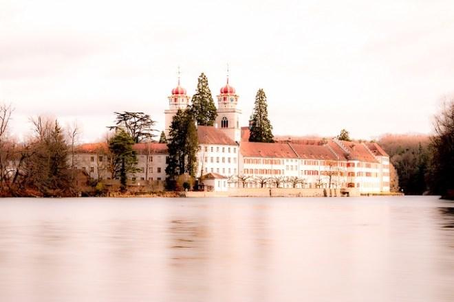 Kloster Rheinau-Langzeitbelichtung vom Ufer des Rhein