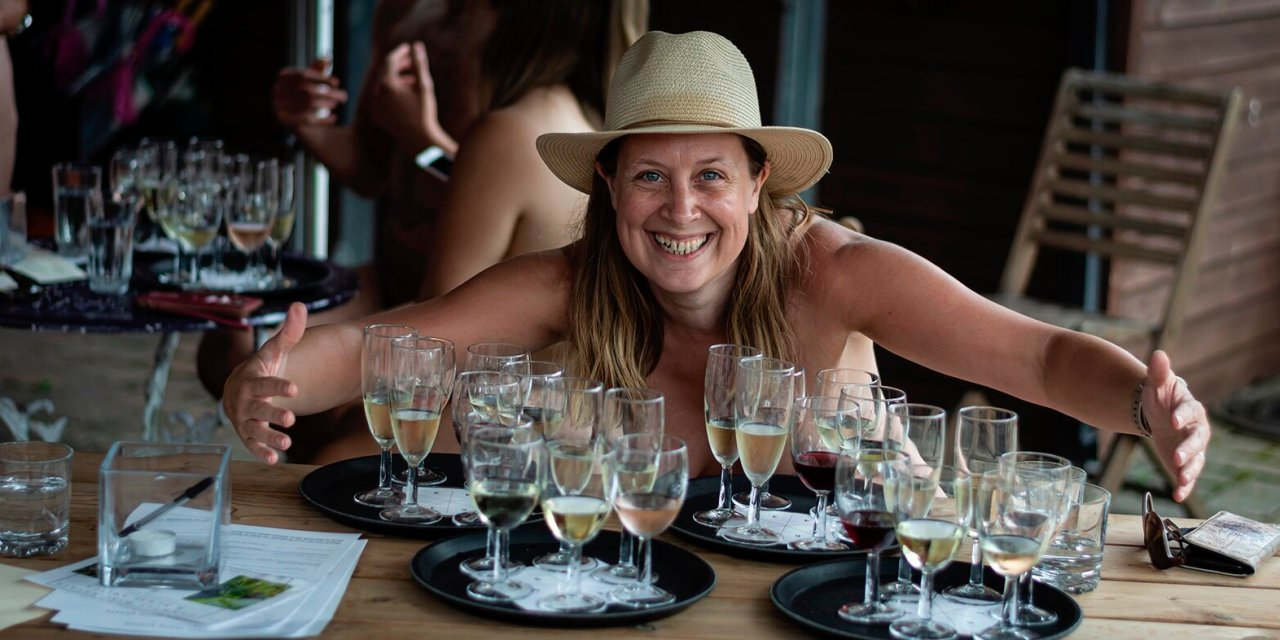 Hanwell Vineyard Wine Tasting Tour