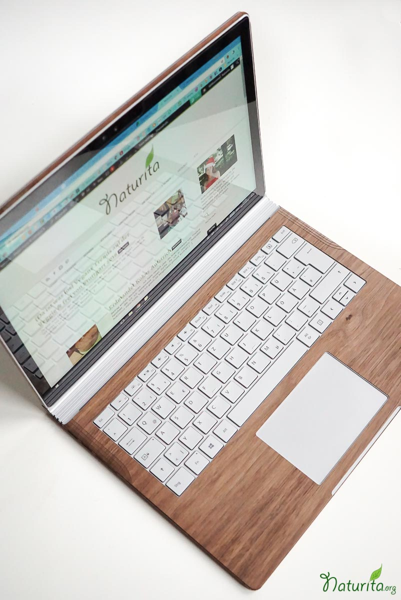 review-toast-laptop-cover_1