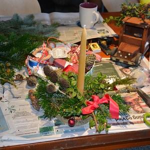 Fæld en juletræstop, julestue & naturgaver @ Naturplanteskolen | Hedehusene | Danmark