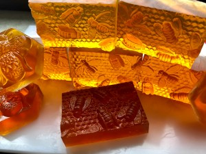 Transparentseife mit Honig