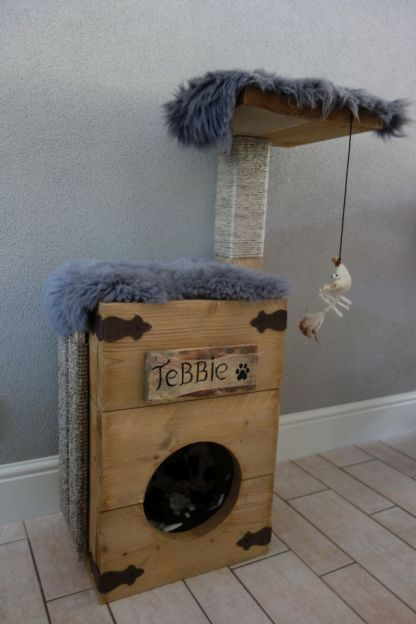 Katten Krabpaal met dekentjes en speeltje