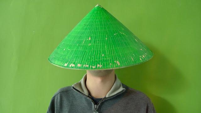 Зелена шапка, НаучиКитайски