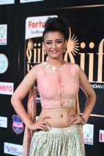 akshara hassan hot at iifa awards 2017Akshara Hassan (53)