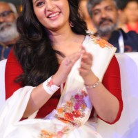 gorgeous anushka shetty in bahubali 2 pre release function