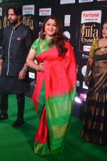 kushboo at iifa awards 2017 kushboo hot at iifa awards 2017 DSC_14240478