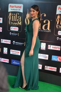 laxmi rai hot at iifa awards 2017DSC_89330102
